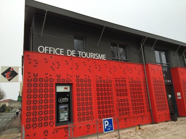 Enseigne en lettres découpées à Villeneuve-sur-Lot